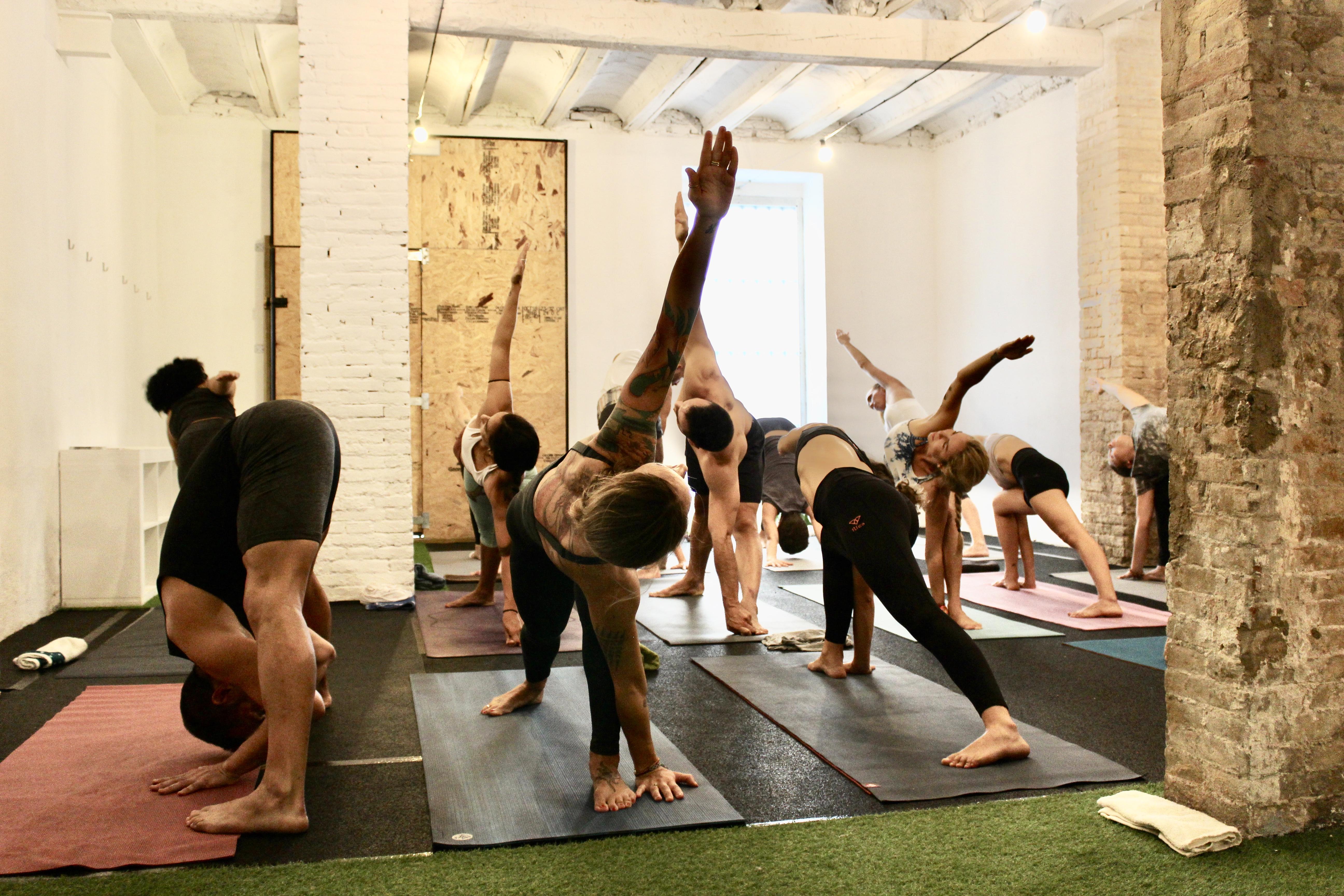 ashtanga_yoga_valencia_ruzafa_1