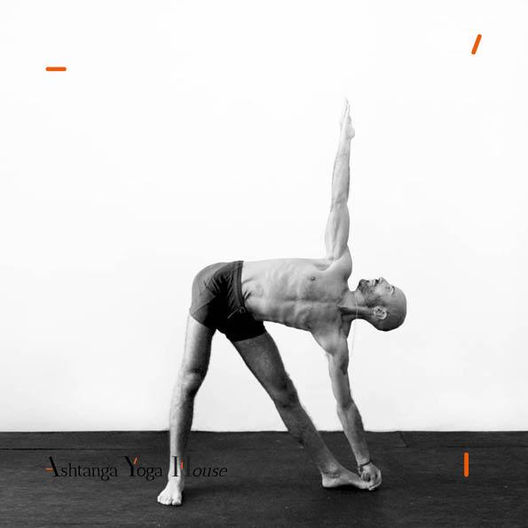 Ashtanga-Yoga-House-Valencia-Carlos-matoses.2