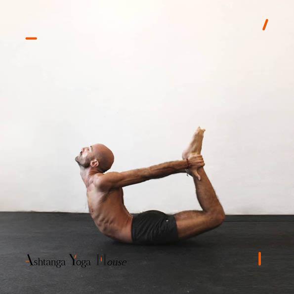 Ashtanga-Yoga-House-Valencia-Carlos-matoses