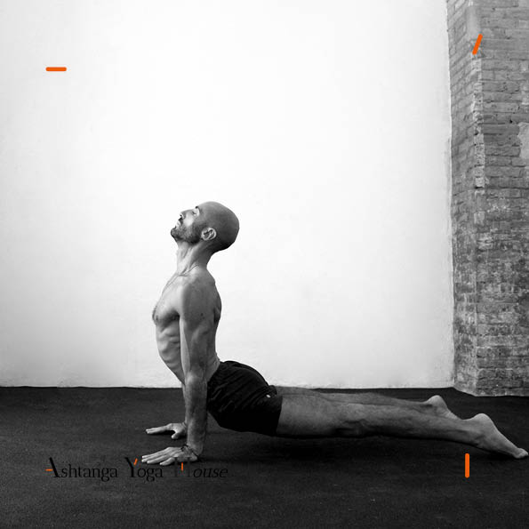 Ashtanga-Yoga-House-Valencia-carlos-matoses.jpg 4