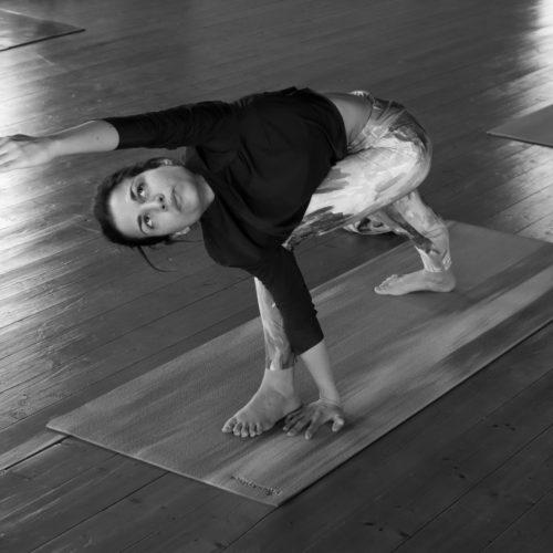 ashtanga-yoga-house-valencia-retiro-clases-mysore96